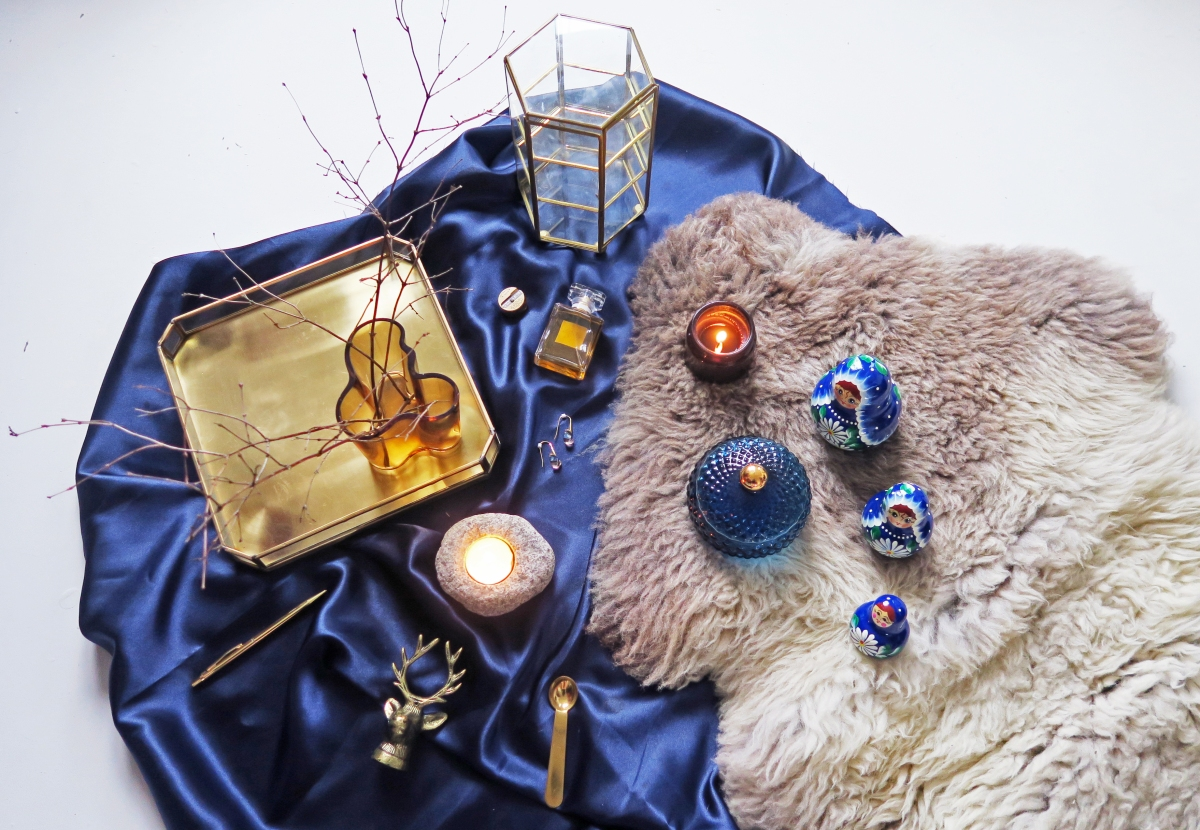 INTERIOR PIECES : ROYAL BLUE